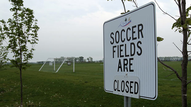 closed pitch sign