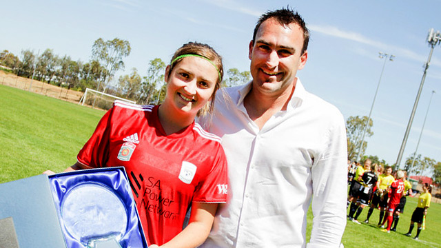 Racheal Quigley recievesaward from FFSA CEO Michael Carter - Image courtesy Adam Butler.