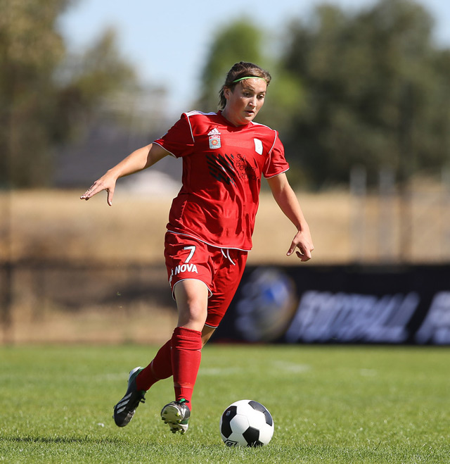 Racheal Quigley v Newcastle Jets 30 Nov 13