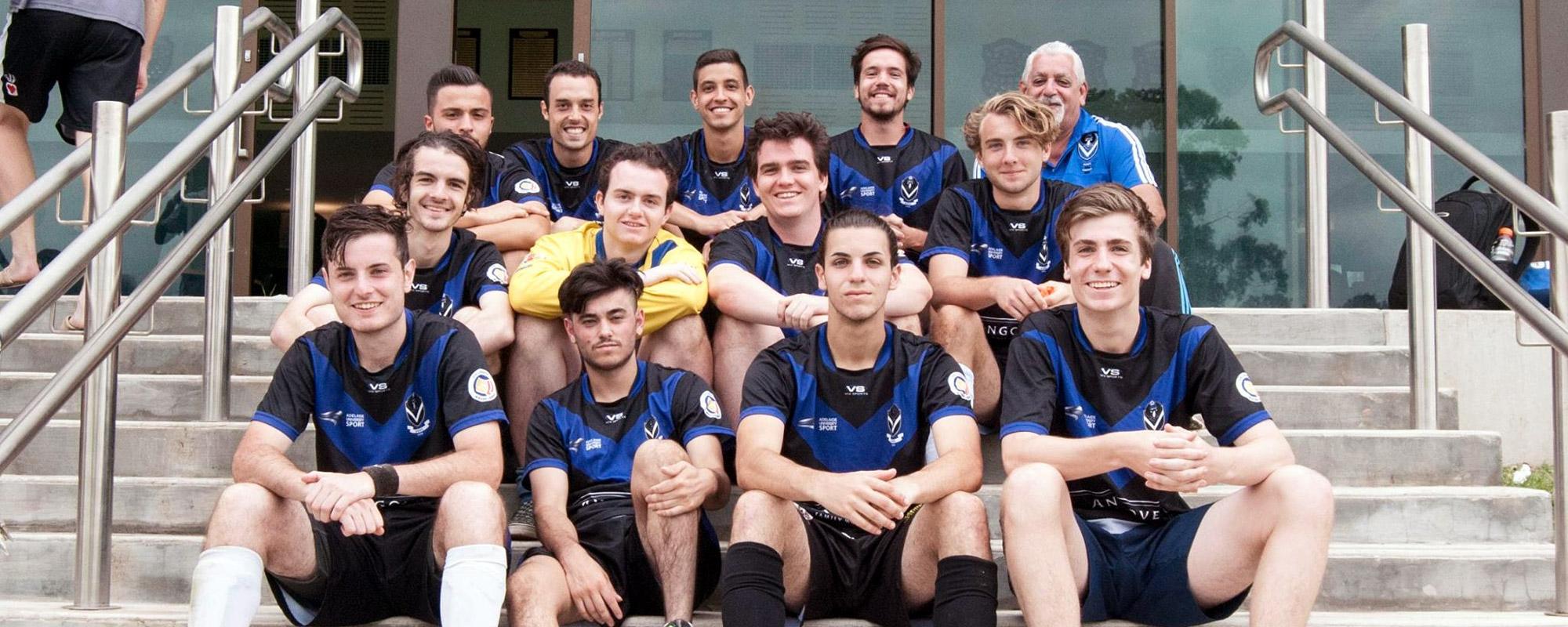 AUSC Graduates Blue