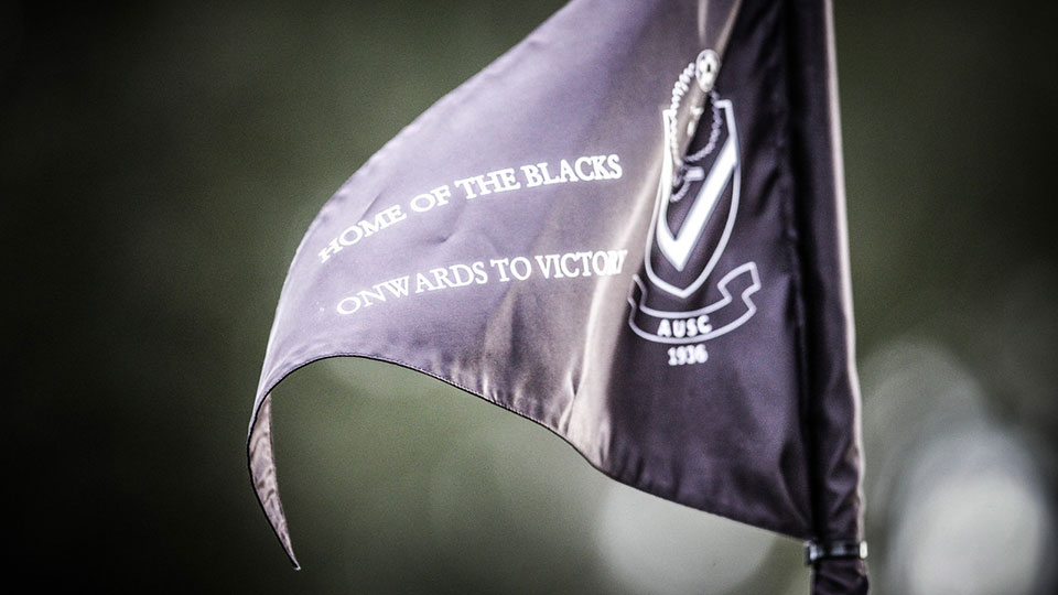 AUSC flag ' Onwards to victory'